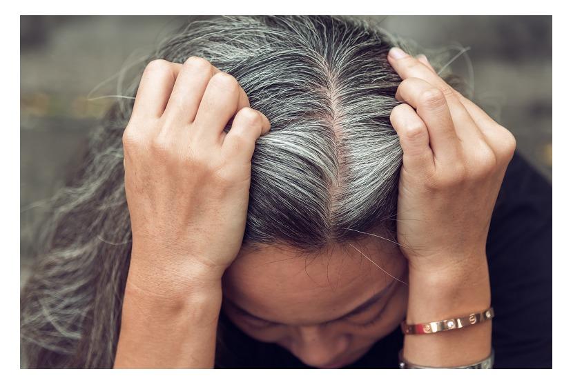 白髪染めを市販で染めるメリットとデメリット!美容院で染めてもらうメリットとデメリット!